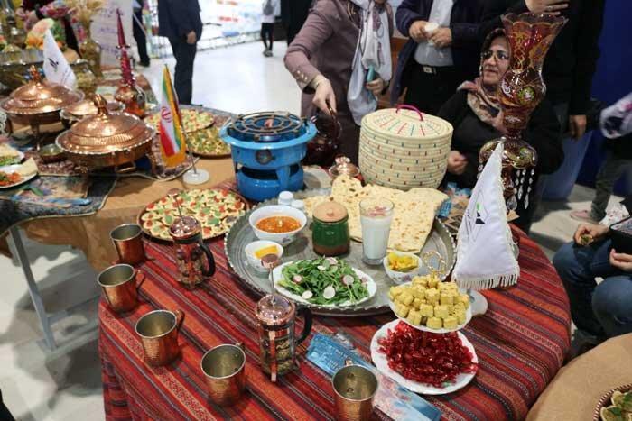 جشنواره غذاهای سنتی یلدا فردا در خیابان بهنود