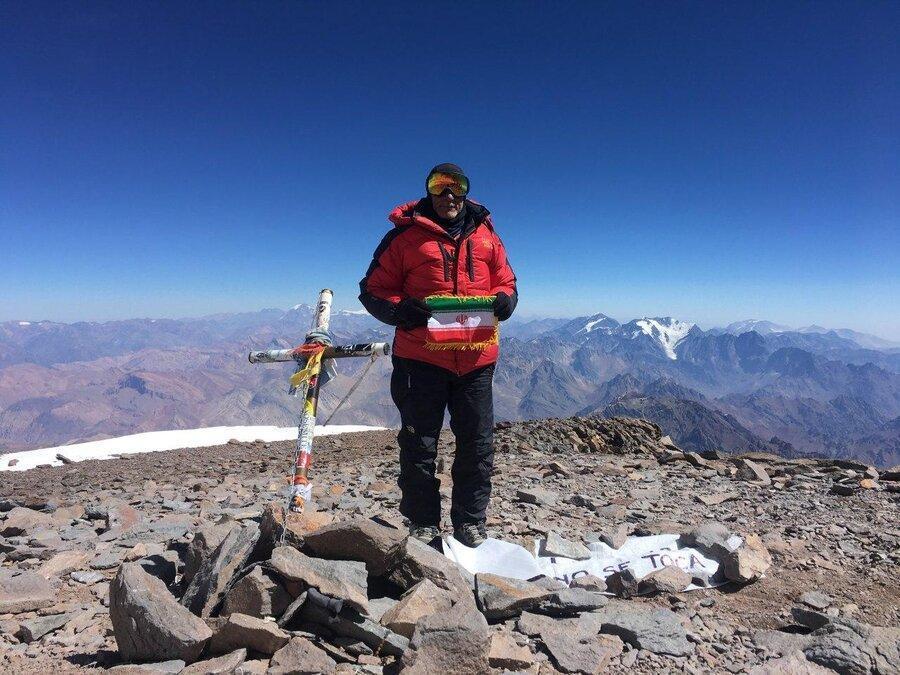 من فاتح بلندترین قله آمریکا هستم