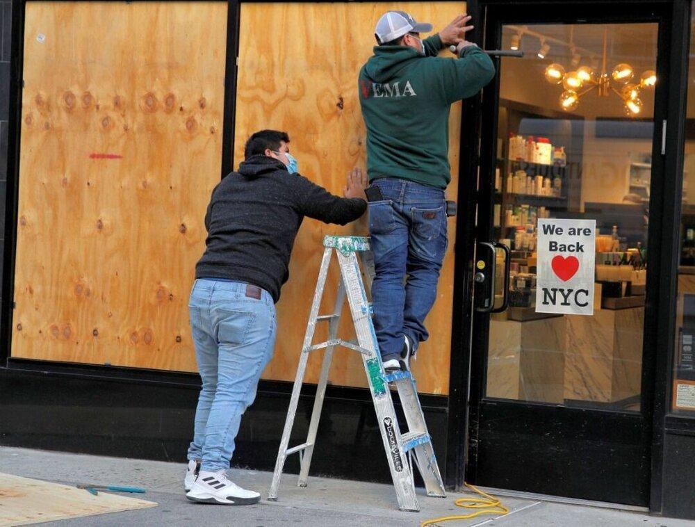 فروشگاه های آمریکا از ترس شورش احتمالی حفاظ دار شد، عکس