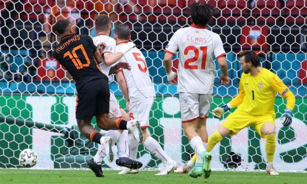 هلند 3 - 0 مقدونیه؛ تیم دی بوئر مدعی قهرمانی است